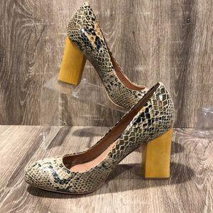 Corso como snake block heel pump
